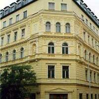 Záhřebská 33, Praha 2 / CORTI Praha,s.r.o. Oprava a nátěr fasády.