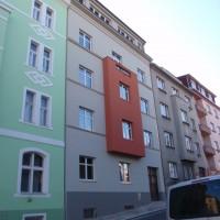Na Jezerce 18, Praha 4 – oprava uliční a dvorní fasády, oprava střechy, vestavba dvou půdních bytů