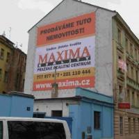 Na Šachtě 5, Praha 7 – montáž reklamní plachty na štít domu